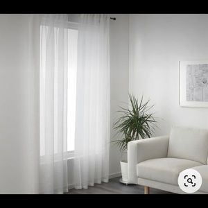 Set of 2 sheer white curtains